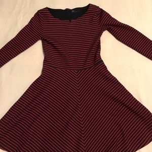 Long sleeve navy and red Gap dress